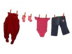 Conforto e segurança na hora de vestir o seu bebê